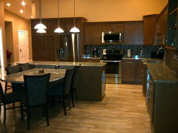 Geneva-on-the-Lake condo rental - Kitchen and Dining open throughout Great Room