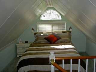 Seattle cottage photo - Quaint Loft / Bedroom