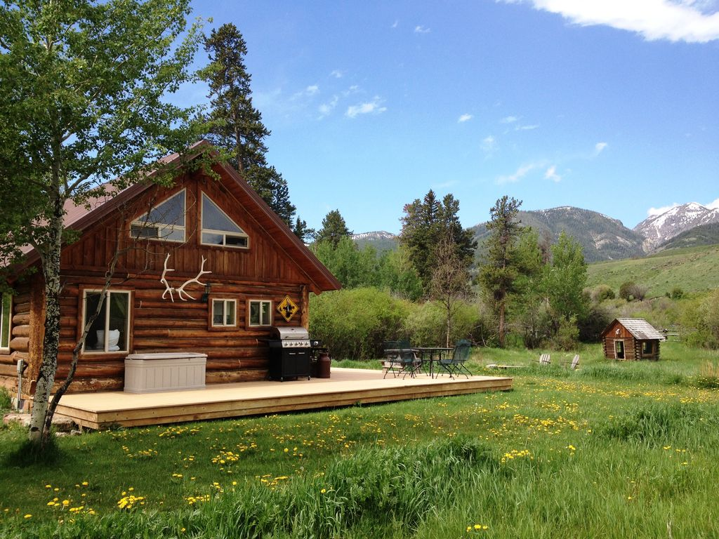 Log cabin getaway on ranch to yellowstone park vrbo for Yellowstone log cabin hotel