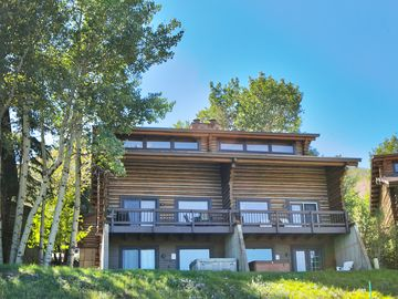 Park City townhome rental - 1556 Crescent Rd Ski-in and walk to Silver Star Ski Lift, Restaurant & Ski Shop