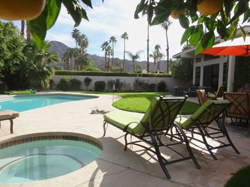 Indian Wells house rental - Spacious backyard, large pool, hot tub, luxurious chaise lounges, table/4 chairs