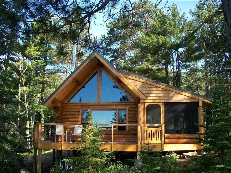 Tettegouche log cabin north shore lake vrbo for Rustic home decor park rapids mn