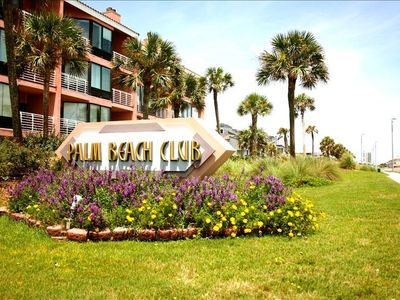 Palm Beach Club is located at the entrance to Fort Pickens National Seashore