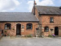 ORCHARD COTTAGE, pet friendly, with a garden in Edlaston, Ref 6964