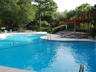 Palmetto Dunes villa photo - Community Pool is only Steps Away