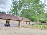 Scrumptious little barn set in an Area of Outstanding Natural Beauty in the High Weald