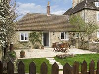 FARM VIEW COTTAGE, pet friendly in Upper Seagry, Ref 7125