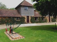 Tranquil, well-equipped Four-Star Cottage in historic 1066 Country