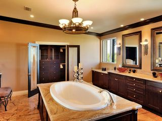 Tavernier estate photo - Master Bathroom
