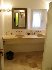 2nd bath to 2nd master Bedroom - Gordes farmhouse vacation rental photo