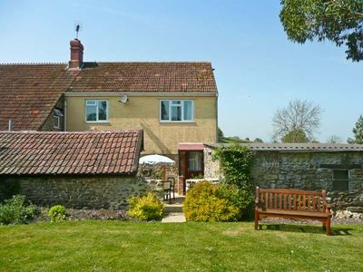 SOCKETY FARM COTTAGE, family friendly in South Perrott, Ref 20952