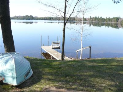 Private setting on 175 acre lake, row boat included