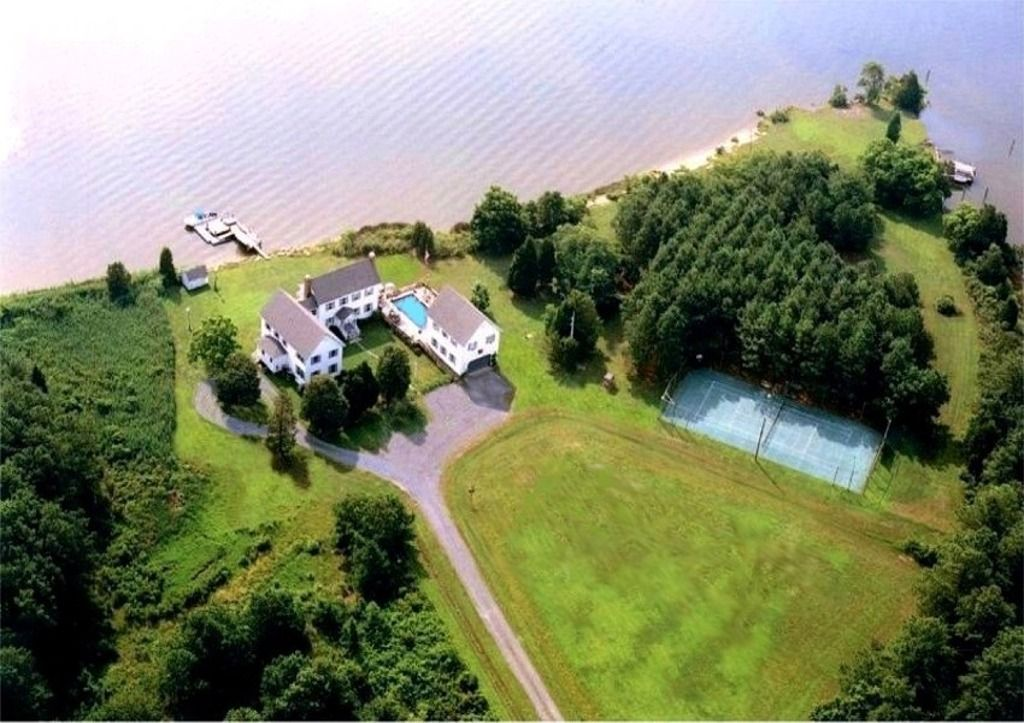 Country Waterfront Estate Featured In Vrbo