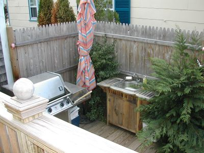 bbq area / grill and sink