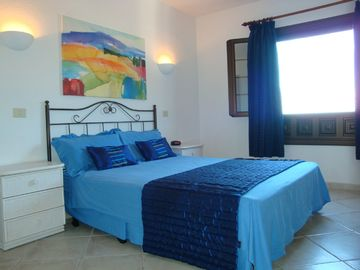 Bedroom 1 With King Size Bed. Wonderful Sea Views