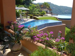 Zihuatanejo condo photo