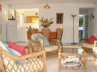 Delightful apartment with pool & garden next to beaches, restaurants & amenities