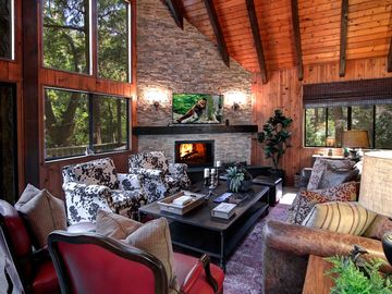 Lake Arrowhead cabin rental - Living Room | Fine furnishings & designer details abound. Comfortable & intimate