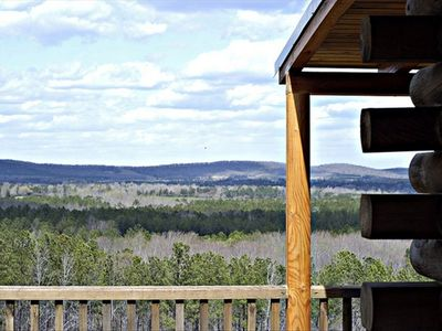 The Pine Cabin - Solid Wood Log Cabin with Awesome Views!