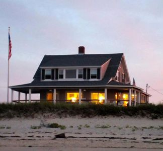 Beautiful waterfront beach house on homeaway sagamore for Beach house with wrap around porch