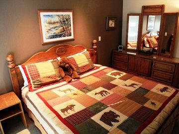 King bed in master with new bedding | Mammoth vacation rental
