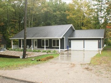Harbor Springs cottage rental - Front View of the House
