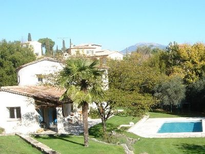 Bright and spacious villa - pool and large garden