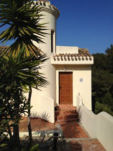 Affordable Luxury, 2 Bed Villa With Sea Views, Air Conditioning & Free Wifi