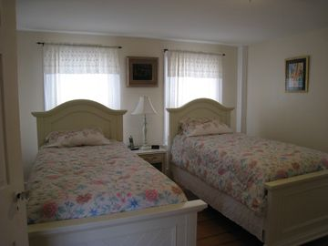Twin beds - Second floor