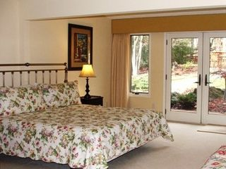 King bedroom suite w adj small room w twin bed - Asheville chalet vacation rental photo