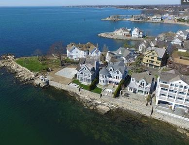 Luxury Victorian beach house - steps to 2 private beaches!