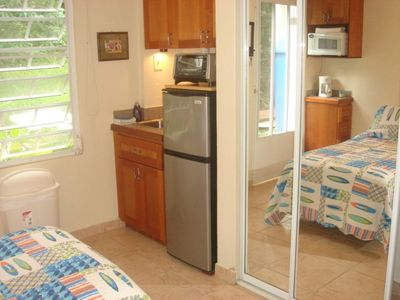 Studio w/Toaster Oven, Microwave, Coffeemaker, Fridge, Sink, A/C, DTV/HBO/Music.