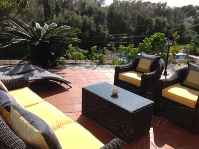 Delightful, private, south facing luxury detached villa in a superb location!