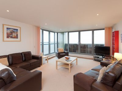 Amazing 3 Bedroom Apartment With A Sea View And Balcony