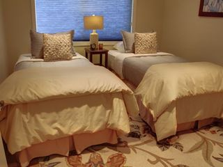 Pebble Beach house photo - Bedroom One made up as two twins with luxurious linens.