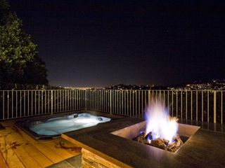 Fire pit, hot tub and shower with San Francisco skyline. - Tiburon house vacation rental photo