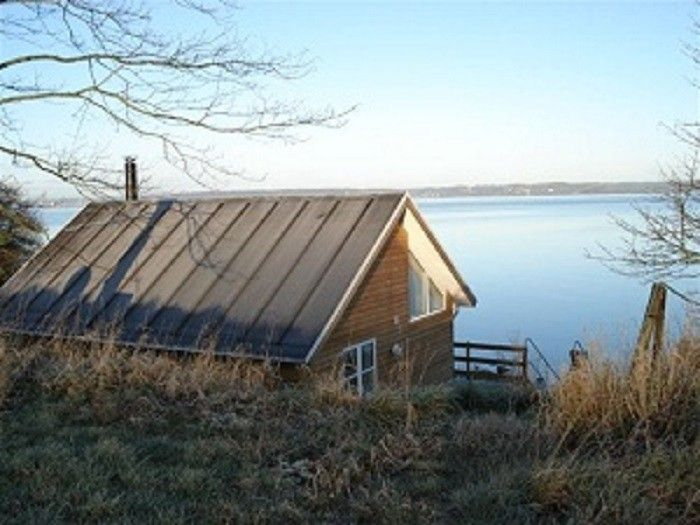 Small cottage directly to the beach in the beautiful scenery
