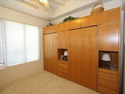 Two twin BeautyRest Murphy beds in 2nd bedroom, can double as an office