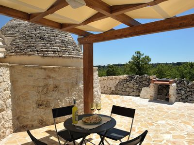 Alberobello villa rental - BBQ near the gazebo