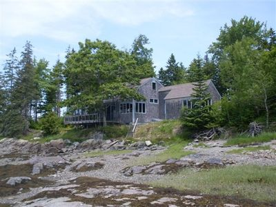 Hancock cottage rental - 'Quiet Cove' at water's edge