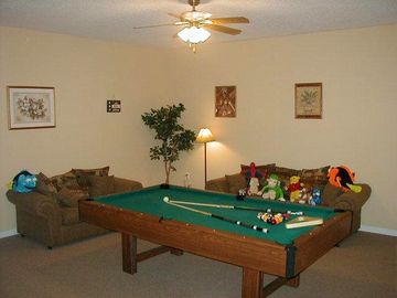 Gamesroom - fully furnished, fullsize 8ft Pool table, two sofa's and toys