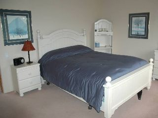 Golden house photo - Upstairs Queen Bed