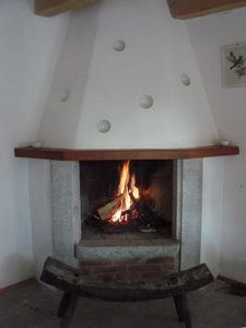 Samone house rental - Open fireplace