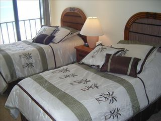 Madeira Beach condo photo - Guest Bedroom directly on the Gulf