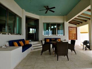 Isla Mujeres villa photo - ample living space in the private backyard of the Villa