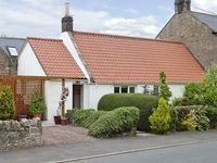 LIGHT PIPE COTTAGE, family friendly in Lowick, Ref 3803