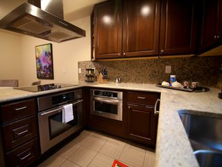 Austin townhome photo - Great kitchen with everything you'd expect in a 5 star vacation rental.