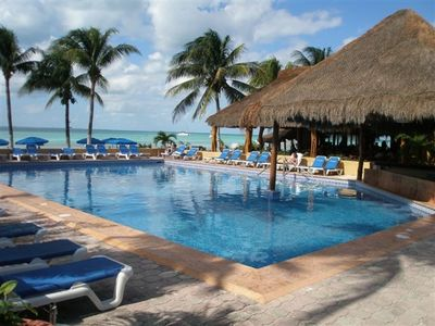 Isla Mujeres condo rental - Pool and Ocean View