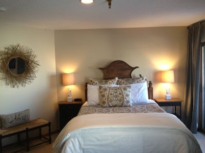 Large master bedroom has comfy queen size tempurpedic mattress, nice linens, tv