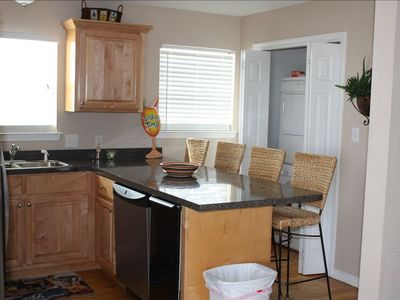 Dauphin Island house rental - Kitchen, dishwashier, and ice machine